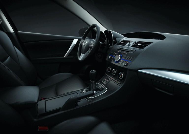 2011 Mazda 3 hatchback 319290
