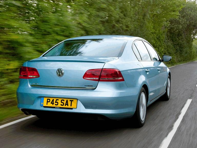 2010 Volkswagen Passat BlueMotion - UK version 316021