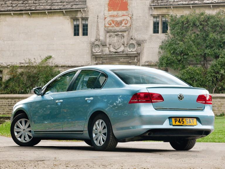 2010 Volkswagen Passat BlueMotion - UK version 316023
