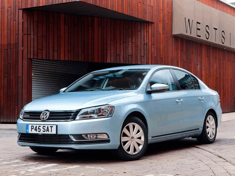 2010 Volkswagen Passat BlueMotion - UK version 316025