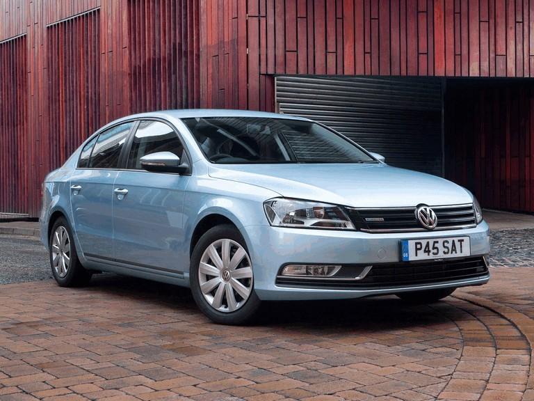 2010 Volkswagen Passat BlueMotion - UK version 316026