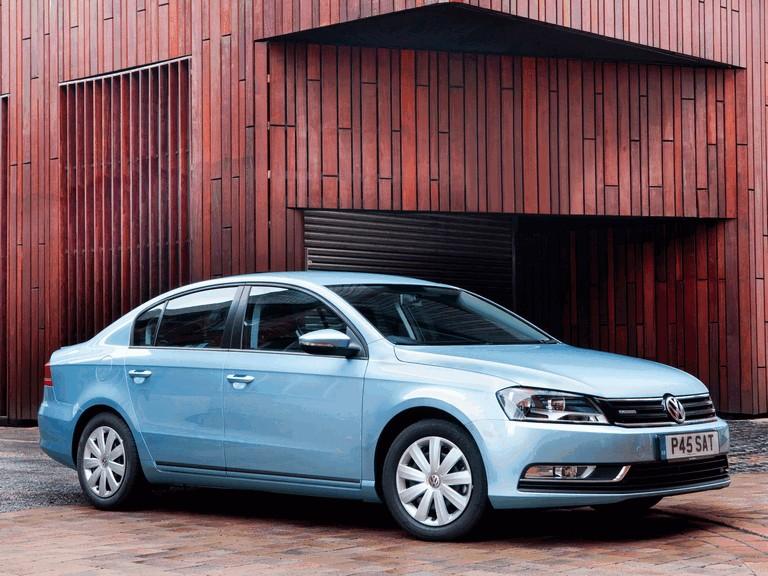 2010 Volkswagen Passat BlueMotion - UK version 316027