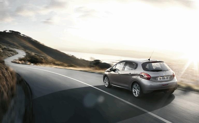 2011 Peugeot 208 5-door 338697