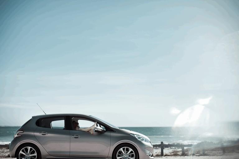 2011 Peugeot 208 5-door 338700