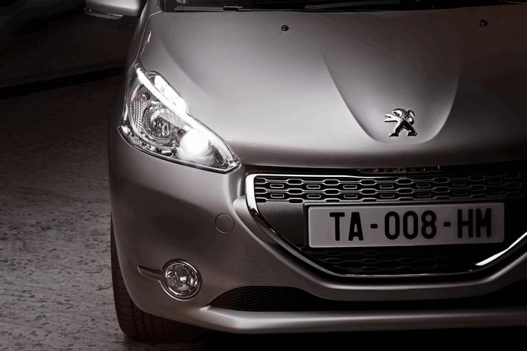 2011 Peugeot 208 5-door 338707