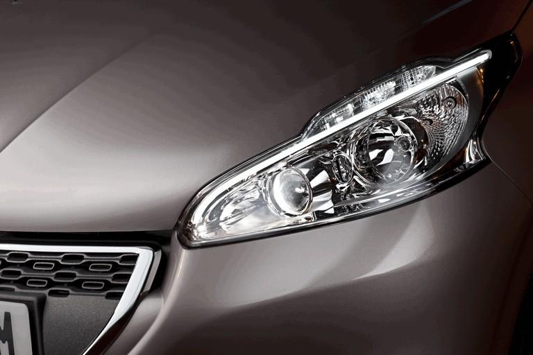 2011 Peugeot 208 5-door 338709