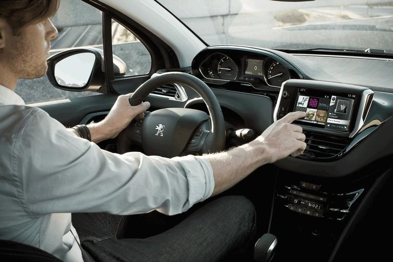 2011 Peugeot 208 5-door 338713