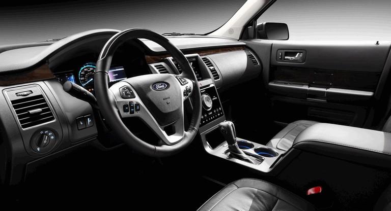 2013 Ford Flex 321184