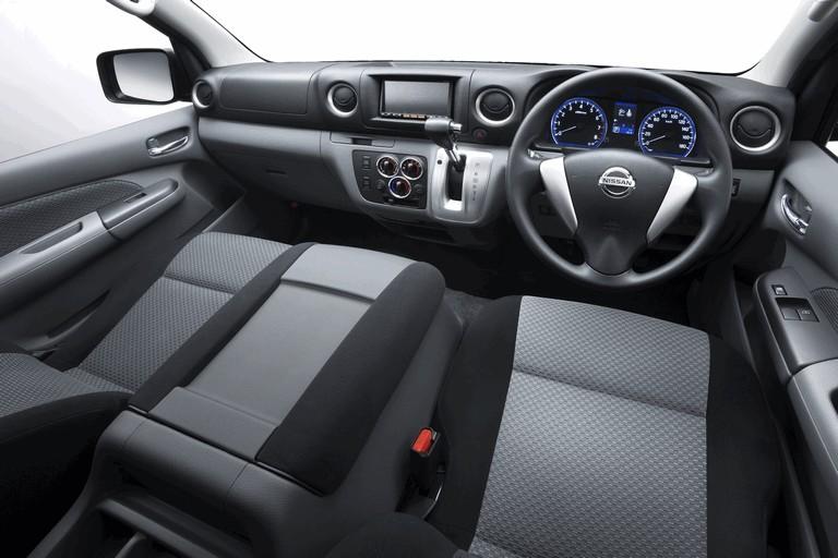 2011 Nissan NV350 321350