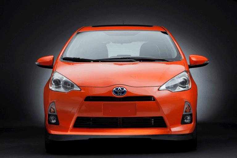 2011 Toyota Prius c 329194