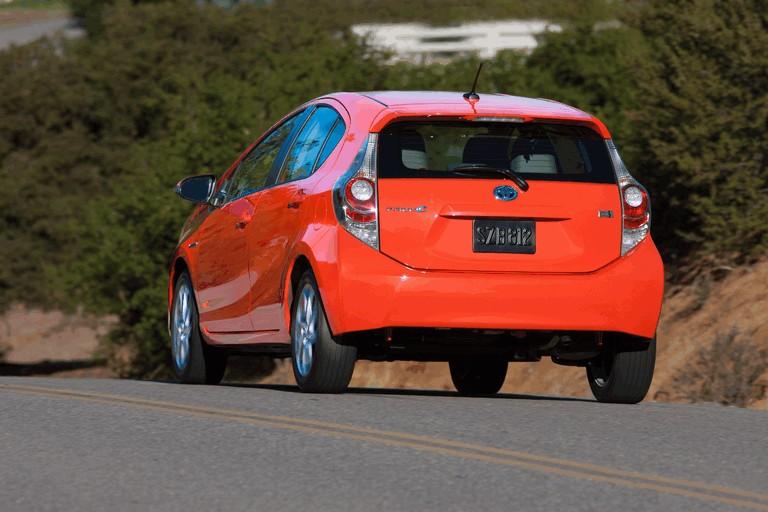 2011 Toyota Prius c 329213