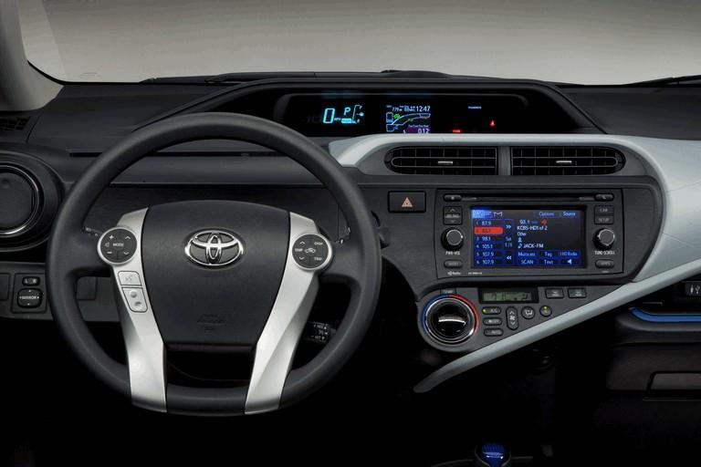 2011 Toyota Prius c 329225