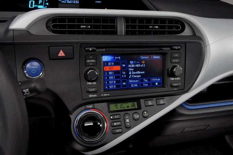 2011 Toyota Prius c 329226