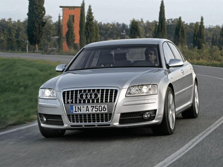2006 Audi S8 211037