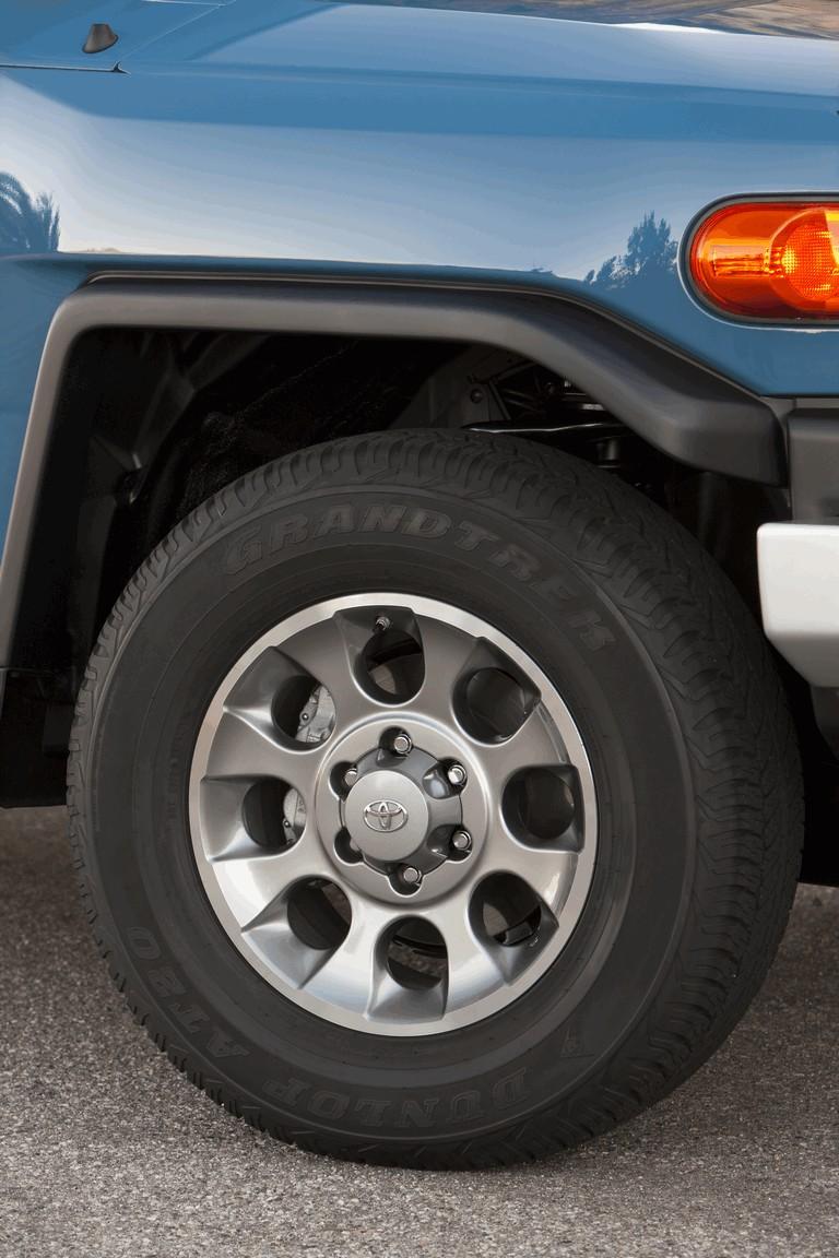 2012 Toyota FJ Cruiser 326528