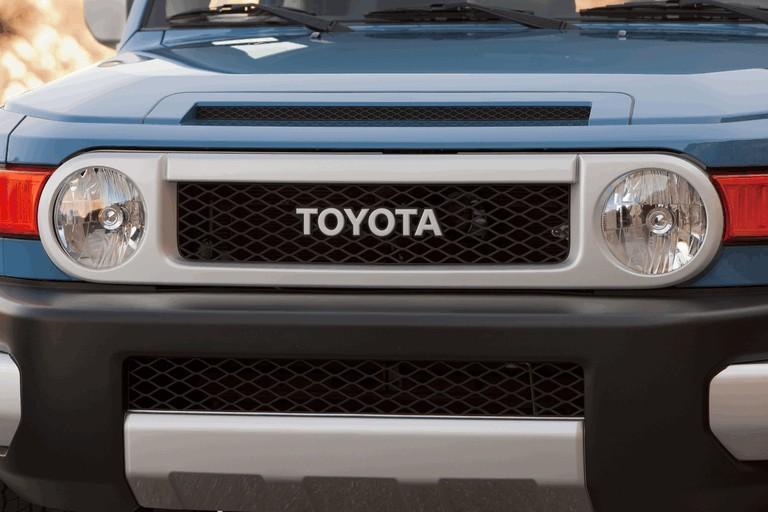 2012 Toyota FJ Cruiser 326529