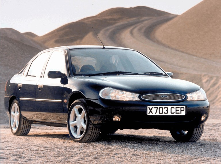 1996 Ford Mondeo hatchback - UK version 326643