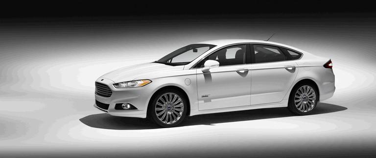 2012 Ford Fusion Energi 328472