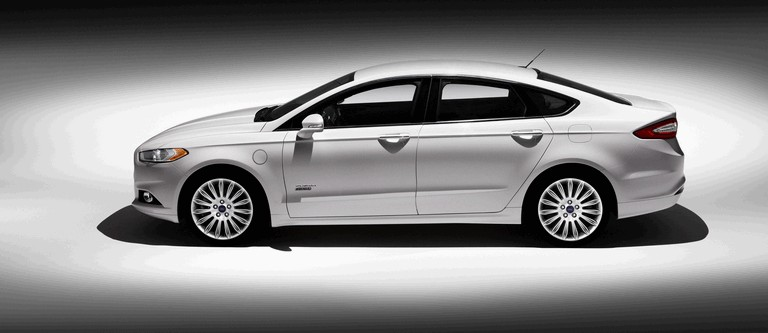 2012 Ford Fusion Energi 328473
