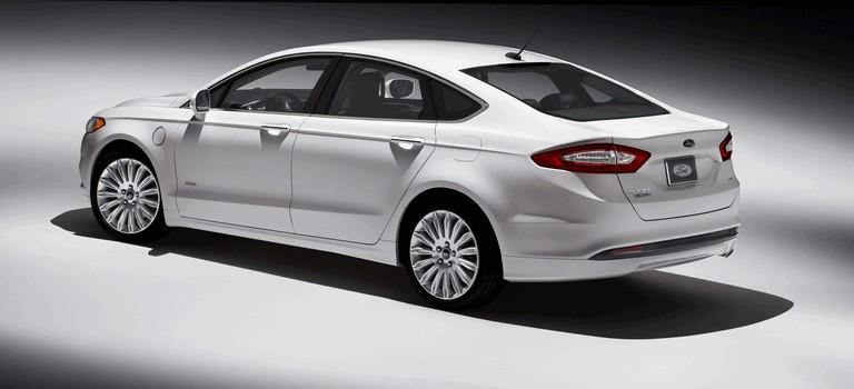 2012 Ford Fusion Energi 328474