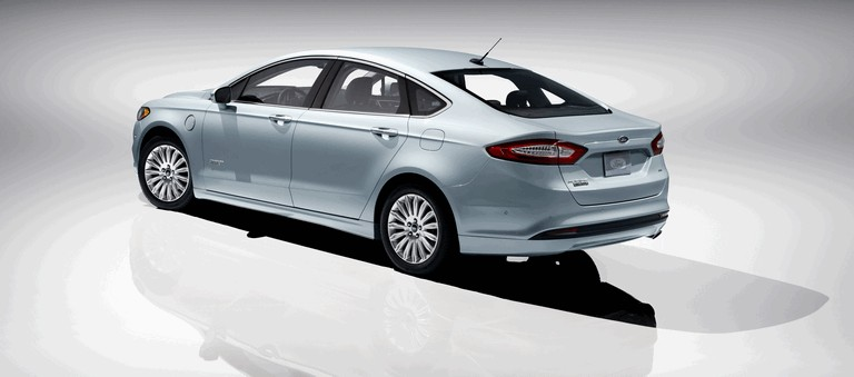 2012 Ford Fusion Energi 328477