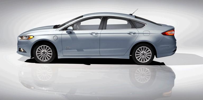 2012 Ford Fusion Energi 328479