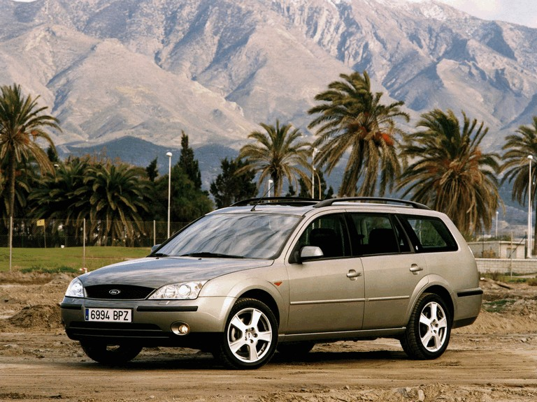2000 Ford Mondeo station wagon 329648