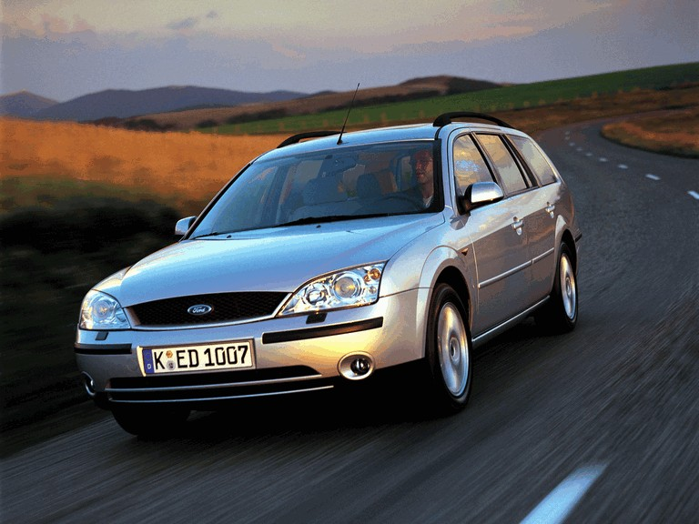 2000 Ford Mondeo station wagon 329652