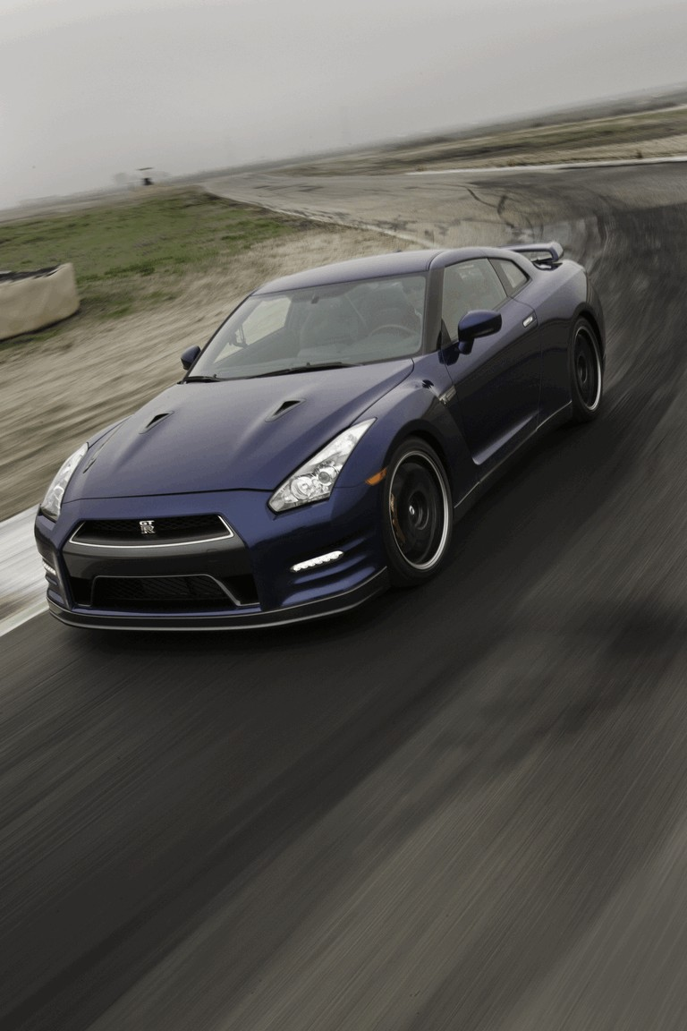 2012 Nissan GT-R ( R35 ) - USA version 330778