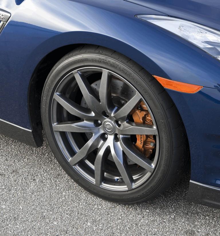 2012 Nissan GT-R ( R35 ) - USA version 330813
