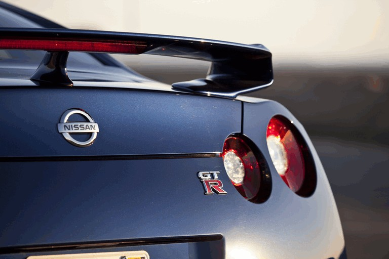 2012 Nissan GT-R ( R35 ) - USA version 330821