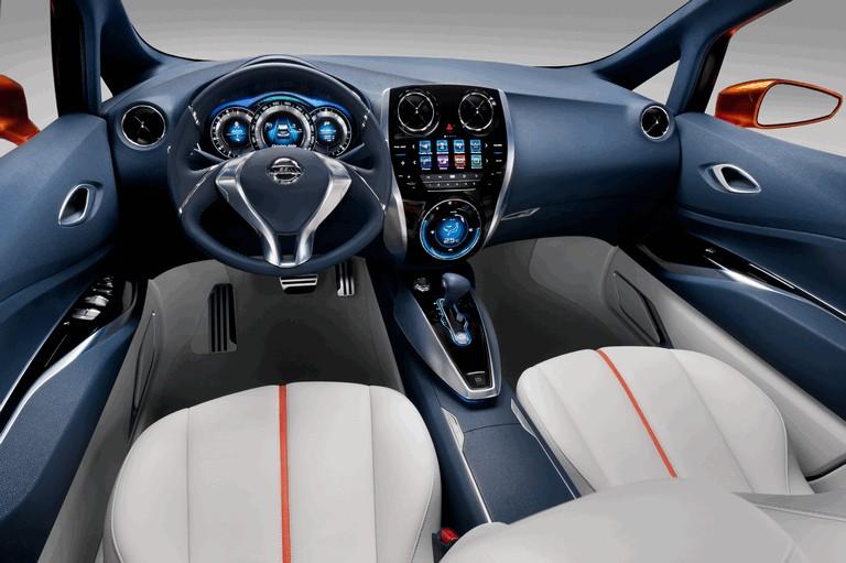 2012 Nissan Invitation concept 337680